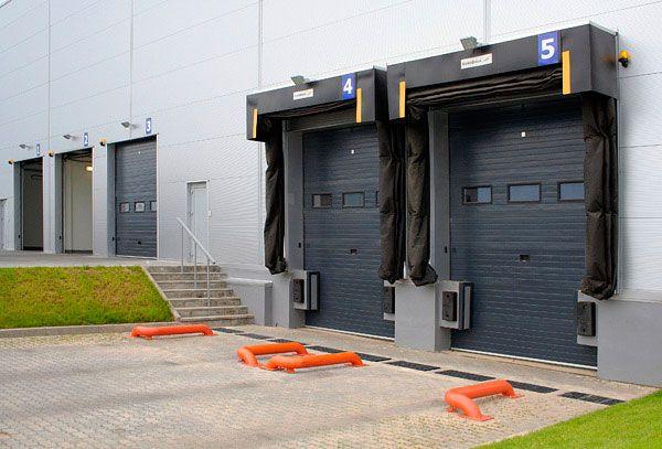 Промышленные ворота для склада